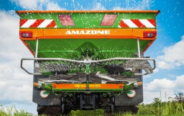 ZA Range of Mounted Centrifugal Broadcast Spreaders